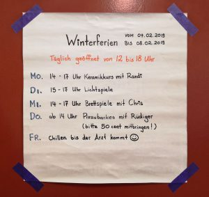 Winterferien im go- Club: Mo: Keramik-Kurs mit Randi ; Di: Lichtspiele; Mi: Brettspiele; Do: Pizza; Fr: Chillen